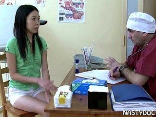 Japanese Teen Girls and her pervert gynecologist